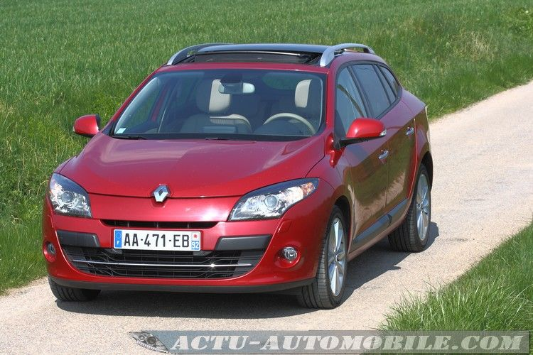 Renault-Megane-Estate-dci160-02