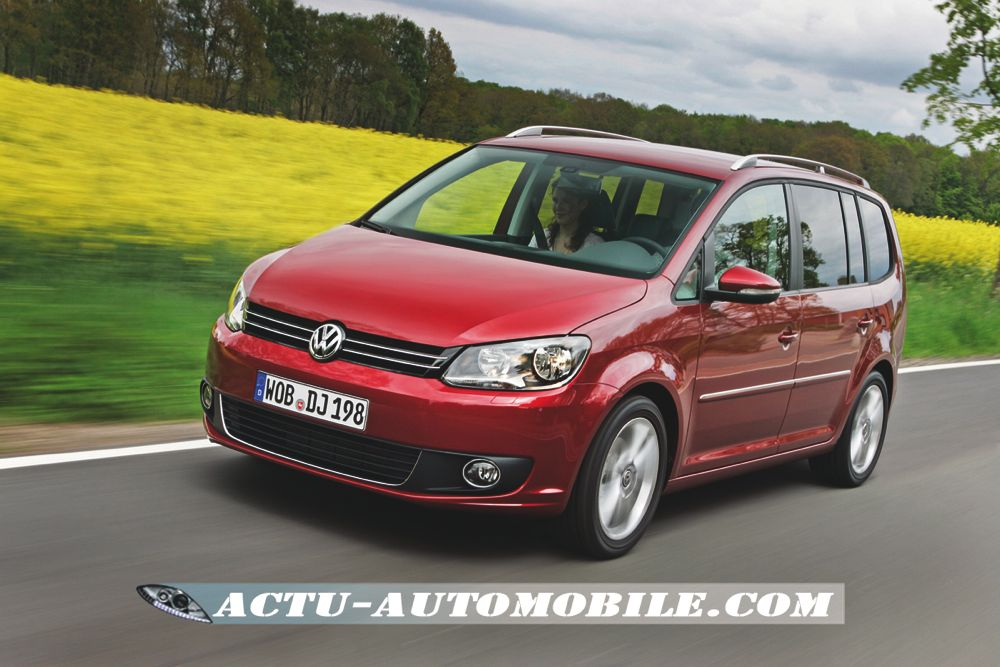 nouveau volkswagen touran 4 6 l 100 km en tdi actu. Black Bedroom Furniture Sets. Home Design Ideas