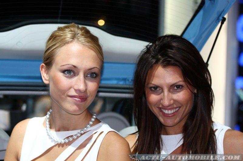 mondial-auto-2010-hotesses-32