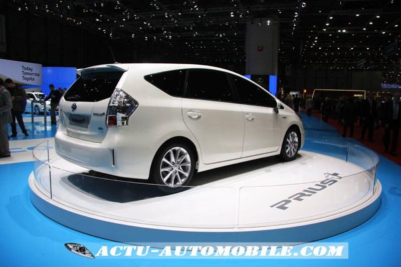 gen ve 2011 toyota prius actu automobile. Black Bedroom Furniture Sets. Home Design Ideas